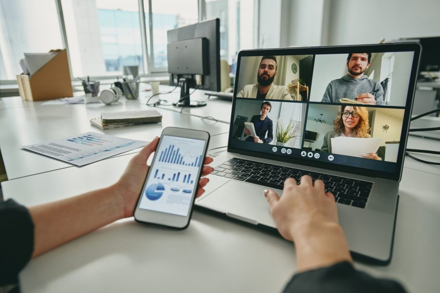 Meeting via video conferencing app